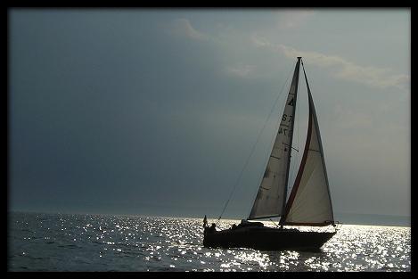 Segelboot aus Wasser